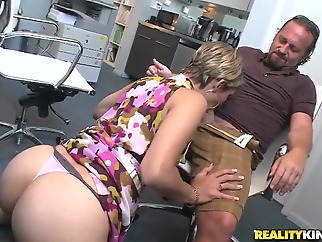 Hot secretary is sucking a sweet dick brunette blowjob milf