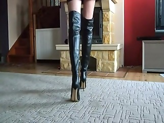LADY AMELIA IN BOOTS - saf voyeur straight wife