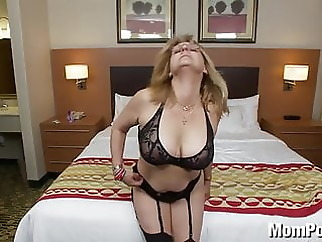 Old lady amateur with big tits amateur mature milf