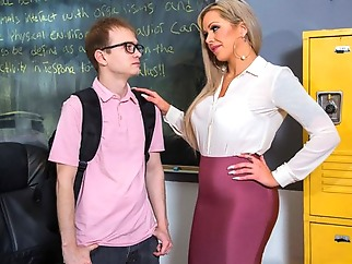 The nurse libertine seduced student for sex in the office... big tits blonde milf