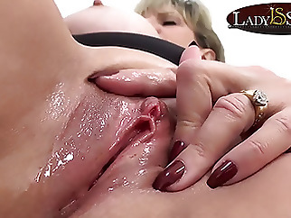 Close up masturbation with naughty mature Lady Sonia blonde fingering masturbation