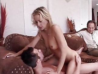 hubby doesn't mind his wife getting fucked in front of him blonde blowjob hardcore